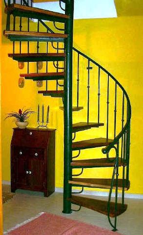 Escalera de caracol herreria y aluminio en general for Fotos de escaleras de herreria